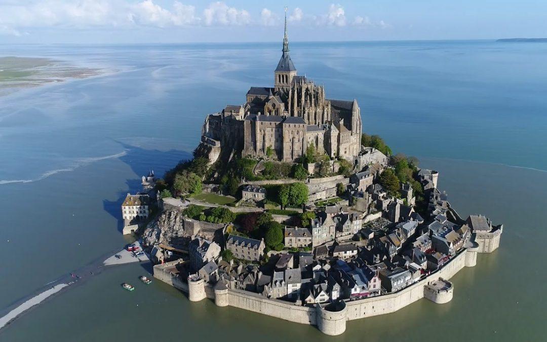 Le Mont-Saint-Michel, histoire et architecture